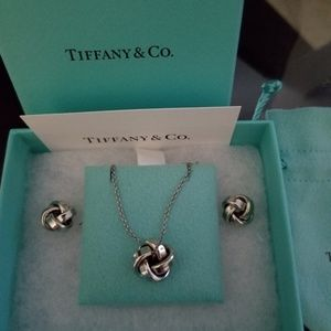 Tiffany's... Knot necklace and earrings